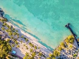 L'hôtel est situé face à la mer des Caraïbes