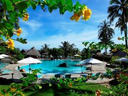 La piscine de l'hôtel Hilton Resorts & Spa à Moorea