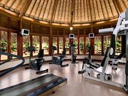 La salle de sport de l'hôtel Hilton Moorea Lagoon Resort and Spa en Polynésie