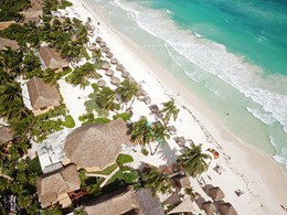 La magnifique plage de sable blanc de Tulum