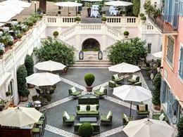 Le jardin de l'Hôtel de Russie situé en Italie