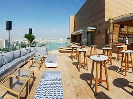 Profitez d'un moment de détente sur le rooftop de l'Hôtel des Arts