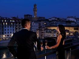 Profitez d'une splendide vue sur le fleuve Arno