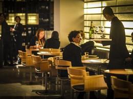 Lobby Bar de l'OMM Hotel situé en Espagne