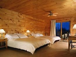 Chambre Standard de l'hôtel Sacacomie au Canada