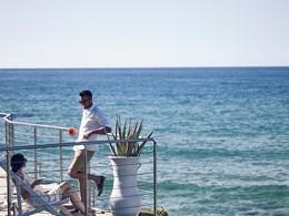 Vue imprenable sur la mer de Crète depuis l'hôtel Ikaros
