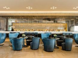 L'Indigo Bar de l'hôtel Ikos Oceania situé à Halkidiki