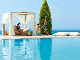 Séjour idéal en famille à l'hôtel Ikos Oceania en Grèce