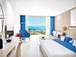 Junior Suite Private Garden Sea View de l'Ikos Oceania