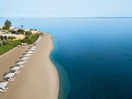 La plage de l'hôtel Ikos Olivia situé face au golfe de Kassandra
