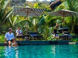 La piscine de l'hôtel Intercontinental Da Nang situé au Vietnam
