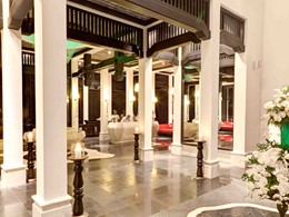 Le lobby de l'hôtel Intercontinental Da Nang Sun Peninsula Resort au Vietnam
