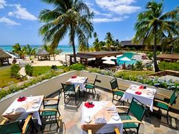 Cuisine polynésienne et française au restaurant Fare Nui de l'Intercontinental