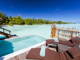 Pool Overwater Villa de l'InterContinental Resort Bora Bora