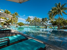 La superbe piscine de l'InterContinental Bora Bora