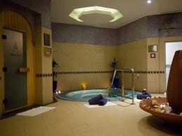 Le bain à remous du spa du Jebel Ali Golf Resort & Spa situé à Dubaï