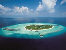 Vue aérienne de l'hôtel JA Manafaru aux Maldives