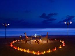 Dîner romantique au JA Manafaru aux Maldives
