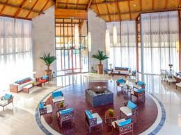 Le lobby de l'hôtel Palm Tree Court à Dubaï