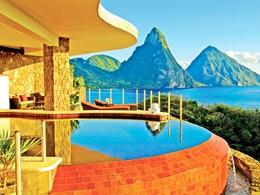 Profitez des magnifiques piscines de l'hôtel Jade Mountain