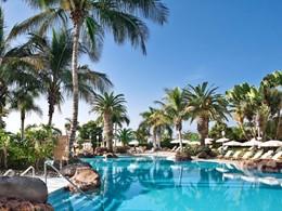 La piscine de l'hôtel Jardines de Nivaria dans sud de Tenerife