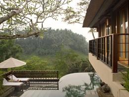 Extérieur de la Villa Deluxe avec piscine