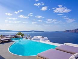 La piscine du Katikies situé le pittoresque village de Oia
