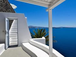 Splendide vue sur la mer Egée depuis l'hôtel Katikies