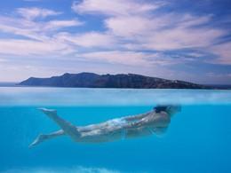 Profitez de la sublime piscine du Katikies en Grèce