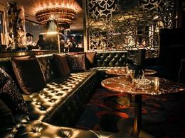 Le bar Noir du Kempinski Hotel à Dubaï