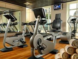 La gym de l'hôtel Kempinski Mall Of The Emirates situé à Dubaï