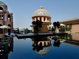 Autre vue de la piscine du Kempinski Mall Of The Emirates Hotel à Dubaï