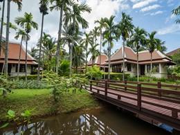 Le jardin luxuriant du Khaolak Laguna en Thailande