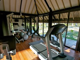 La salle de sport de l'hôtel Kia Ora, à Rangiroa