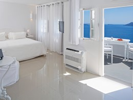 Suite Senior de l'hôtel Kirini à Santorin