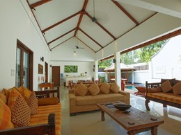La confortable terrasse couverte de la Villa Ganesha