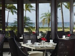 Dégustez des savoureuses spécialités au restaurant Red Salt du Koa Kea.