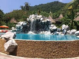 La très belle piscine du Koh Tao Cabana