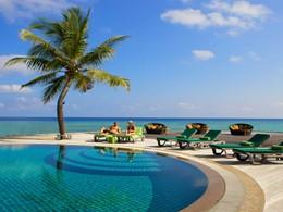 Autre vue de la piscine du Kuredu Island Resort