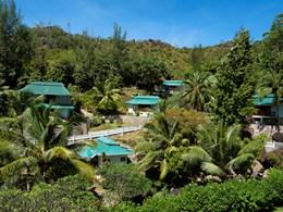 Vue des chambres, situé à flanc de colline