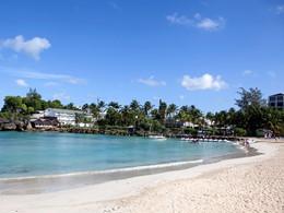 La plage de l'hôtel La Créole Beach Resort en Guadeloupe