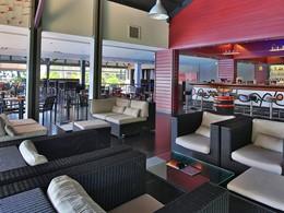 Bar La Rhumerie de l'hôtel La Créole Beach Resort aux Antilles