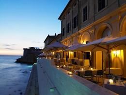Le restaurant The Cesar de l'hôtel La Posta Vecchia
