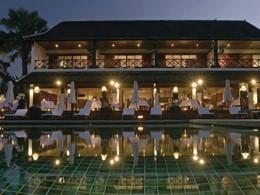 Autre vue de la piscine du Belmond La Résidence Phou Vao au Laos