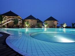Autre vue de la piscine de l'hôtel Lamantin Beach situé au Senegal