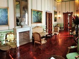 Le lounge de l'hôtel Las Casas de la Juderia à Séville