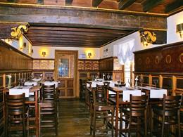 Le Gastrobar Emporion de l'hôtel Las Casas de la Juderia situé au coeur de Séville
