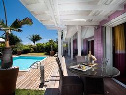 Suite piscine vue jardin de l'hôtel Guanahani à St Barth