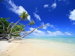 La superbe plage de l'hôtel Le Mahana à Huahine