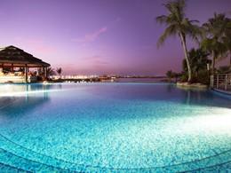 Autre vue de la piscine du Méridien Mina Seyahi